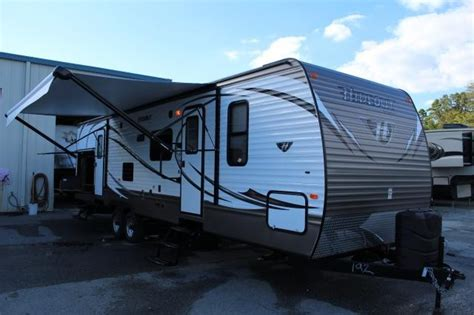 Electric Awnings For Rv by 2014 Keystone Luxury Hideout 31rbds Slide Outside