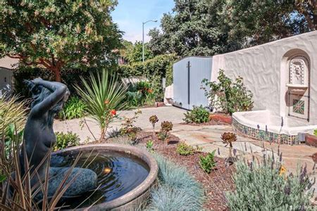 kirk hammett house metallica guitarist kirk hammett s home for sale for 16m