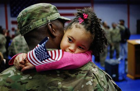 you will cry at these warming moments of soldiers