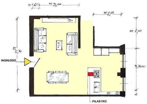 pianta soggiorno soggiorno e angolo cottura con pilastro idea di progetto