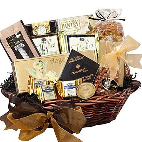 15 christmas themed gift baskets ideas 2017 modern