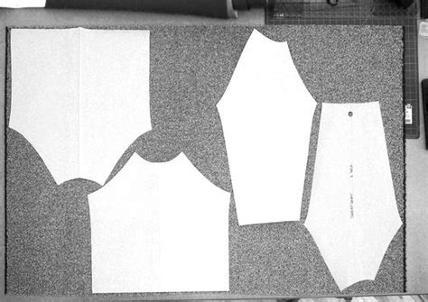 cutting a pattern grainline grainline cutting fabric folded vs flat clothing