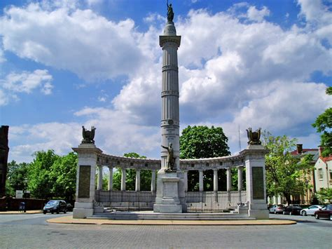 richmond va file monument avenue richmond virginia jpg wikimedia commons