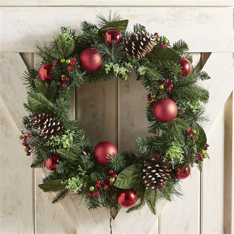outdoor christmas wreaths   festive