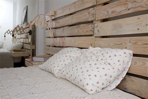 cabecero  la cama de palets  mesitas incorporadas  love palets