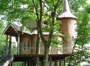 Treehouse Holidays Scotland - treehouse in scotland fife amp st andrews cupar fernie castle treehouse