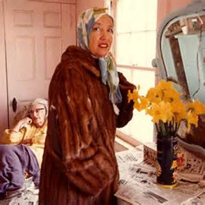 Grey Gardens Edie by Albert Maysles Documented Grey Gardens Iris Apfel And