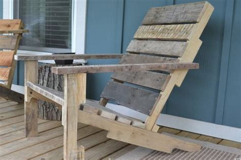 build   wooden deck chair   pallet
