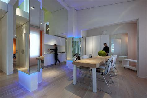 C Nel Yuni 3 Ruang micheli enlivens futuristic mirrored house in florence