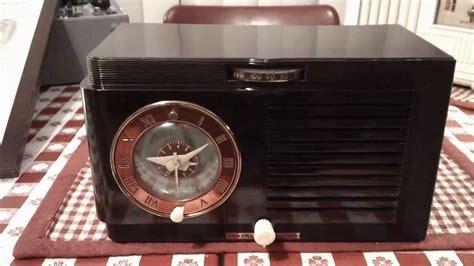 general electric model   vintage tube clock radio