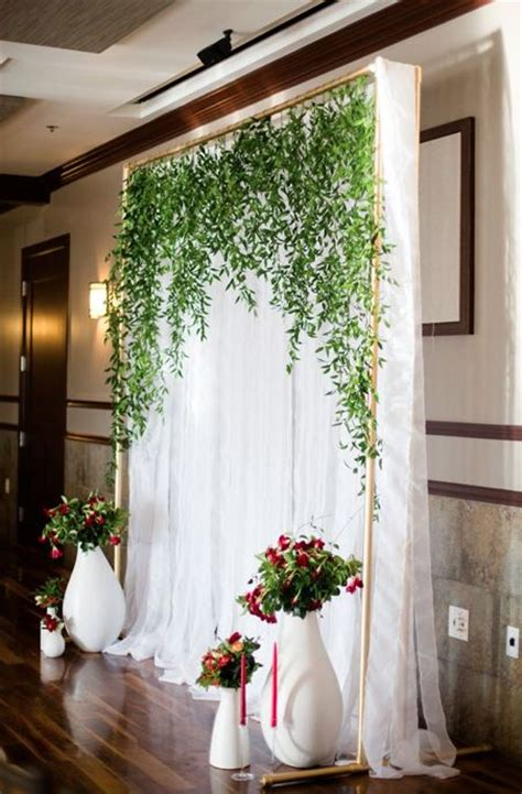 wedding backdrop board 10 breathtaking backdrops for your wedding wholesale flowers flowers and diy