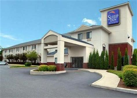 comfort inn and suites queensbury ny sleep inn and suites queensbury queensbury deals see