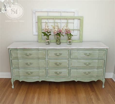 chalk paint shabby chic diy 13 diy whitewash furniture projects for shabby chic d 233 cor