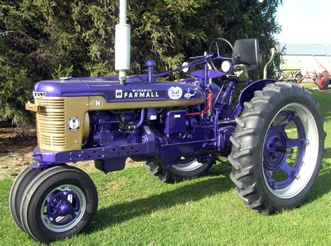 Vintage tractors flex muscle in Chebanse   Local News