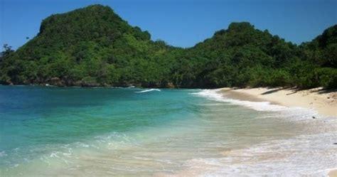 wisata  pantai bangsong manisa travel malang travel