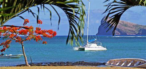 exclusive catamaran cruise coin de mire and flat island - Catamaran Mauritius Coin De Mire
