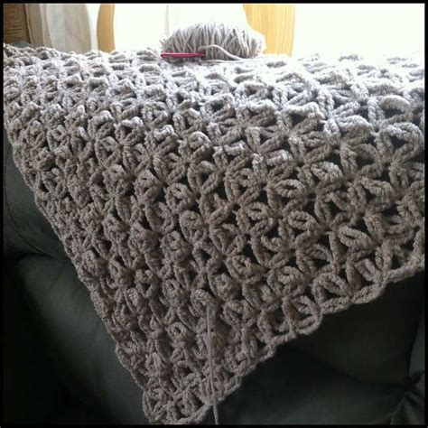pattern for chunky yarn jennyhats is making this wip crochet shawl using