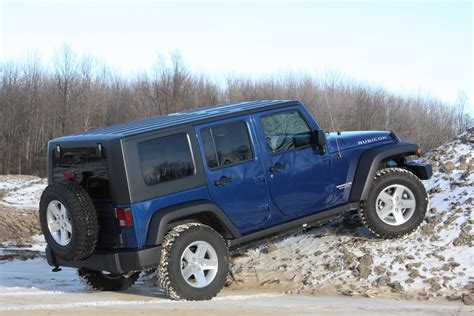 Jeep Wrangler Unlimited Rubicon Road Rubicon4wheeler Autoblog Reviews The 2009 Jeep Wrangler