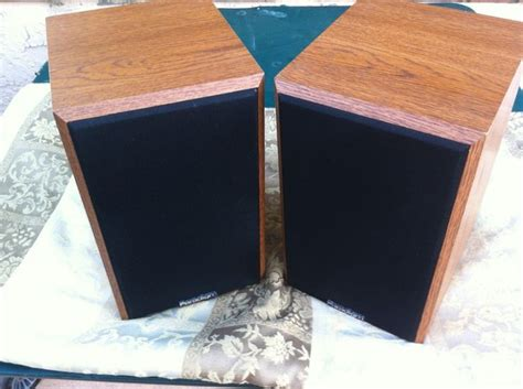 paradigm atom v1 bookshelf speakers speakers