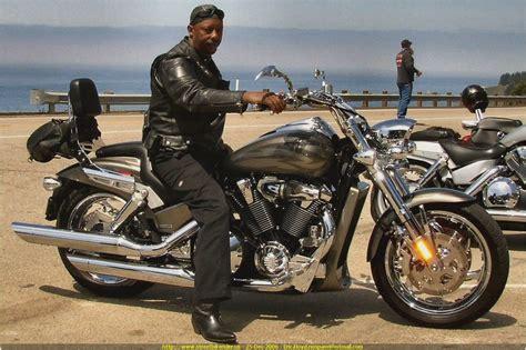2005 Honda VTX 1800 Comparo ? Motorcycle USA   Motorcycles