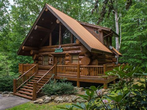 wooden log cabin charming wooden cabin with tub vrbo