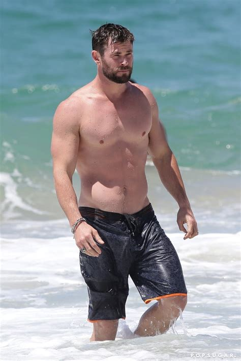 sexy pictures of celeb chris hemsworth shirtless pictures popsugar celebrity