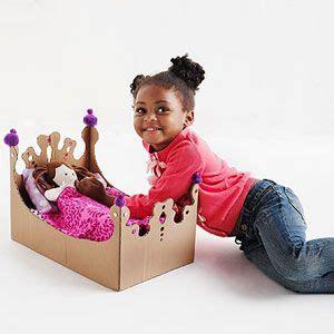 Weihnachtsgeschenke Für Eltern Kindern Basteln by Repurpose Cardboard Boxes Into Kid Crafts Toys