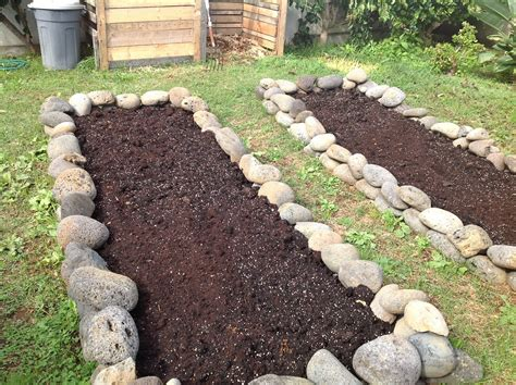 Rock Garden Bed Rocks For Garden Beds Kokanee Home Renovations Raised Garden Bed Stage 1 Temperate Climate
