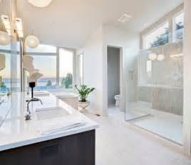 Interior Design Ideas For Bathrooms by Master Bathroom Interior Designs Simple And Luxurious