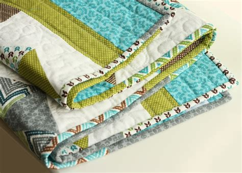 Scrappy Quilt Binding by Scrappy Binding On A Baby Quilt Quilt