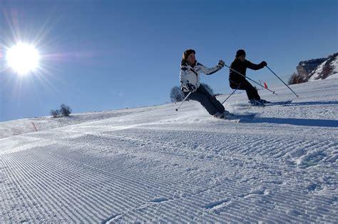 sulla neve weekend sulla neve in trentino con hotel skipass da 128