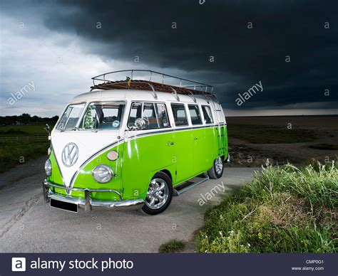 volkswagen van beach volkswagen van on beach www imgkid com the image kid