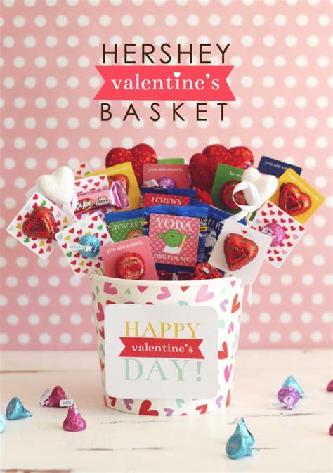 hershey valentines s baskets with hershey free printable