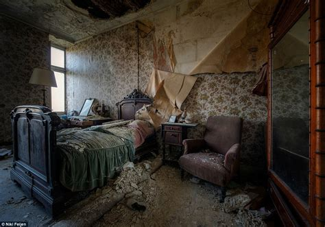 inside haunted house image gallery inside a haunted house
