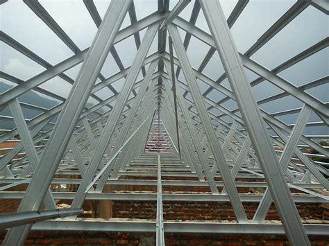 konstruksi rumah rangka baja ringan