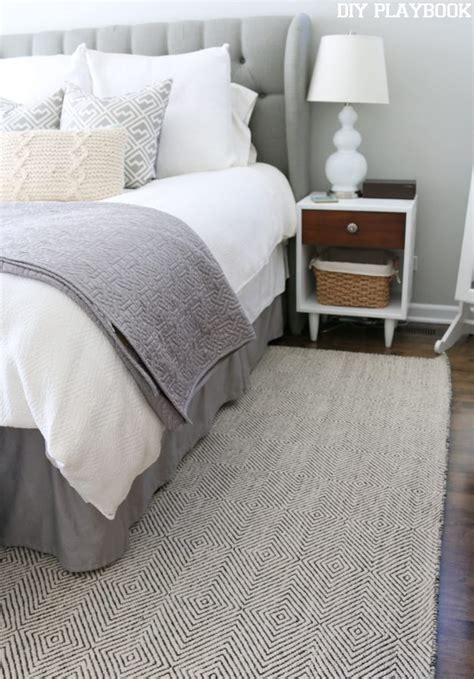 Bedroom Rugs by A New Rug For The Master Bedroom Diy Playbook