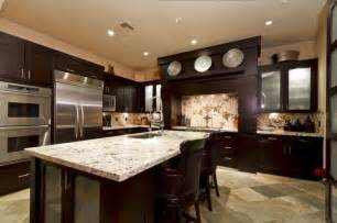 Decorating with kitchens with dark cabinets and light countertops