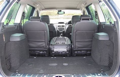 sw buggy seats peugeot 307 and 407 sw 2004 road test road tests