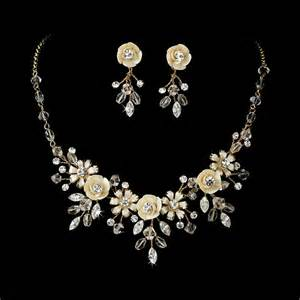 wedding jewelry beautiful silver or gold swarovski bridal jewelry necklace earring at weddingmalloutlet