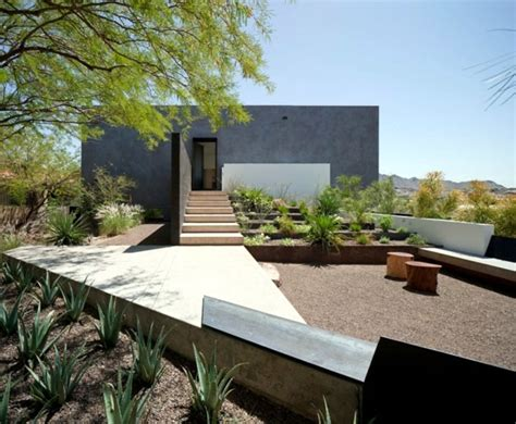 Modern Concrete Homes Home Garden House Minimalist Architect Concrete And Glass In The