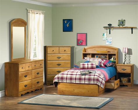solid wood bedroom furniture  kids  tips