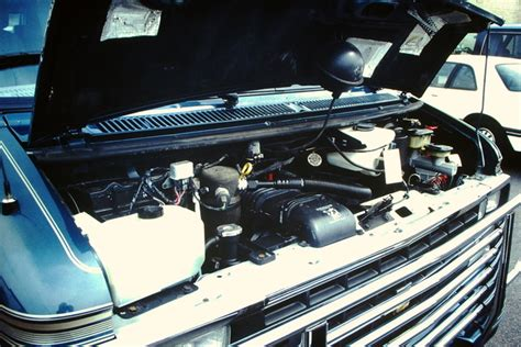 how do cars engines work 1992 chevrolet g series g10 engine control 1992 chevrolet chevy van pictures cargurus
