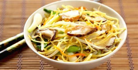 mets cuisin駸 nouvel an chinois quel vin boire avec des nouilles