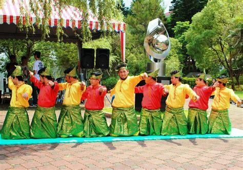 tutorial make up untuk tari saman likok pulo dalam cerita forum silaturrahmi mahasiswa