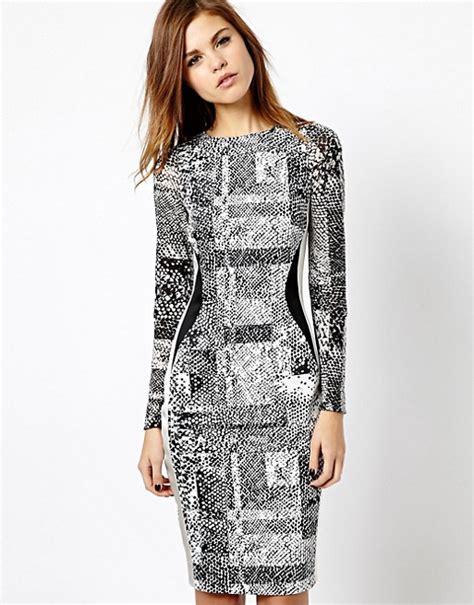 Millen Summer Range by Millen Millen Bodycon Dress In Textured Print