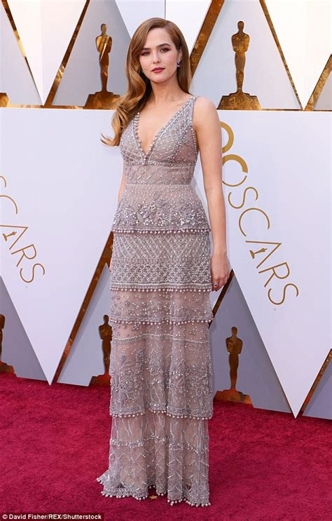 Friendly Dresses 2018 - oscars 2018 zoey deutch rocks eco friendly silver gown
