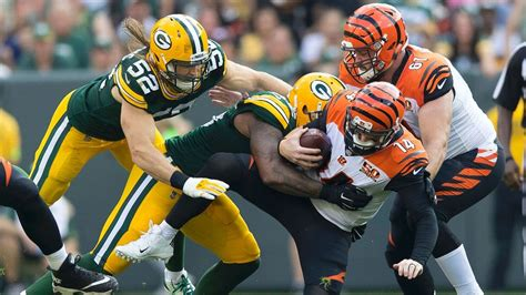 aaron rodgers of green bay packers defends leadership style green bay packers defense finally gives aaron rodgers a