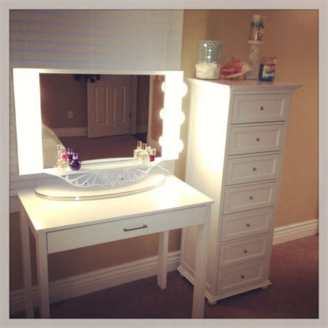 furniture white makeup desk with lighted mirror and