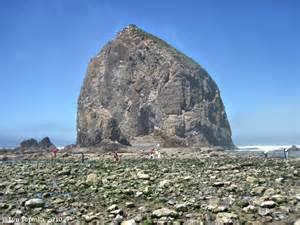 the columbia river haystack rock oregon