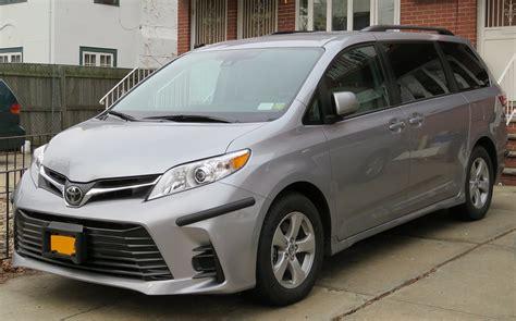 toyota minivan 2010 toyota le 8 passenger passenger minivan 3 5l